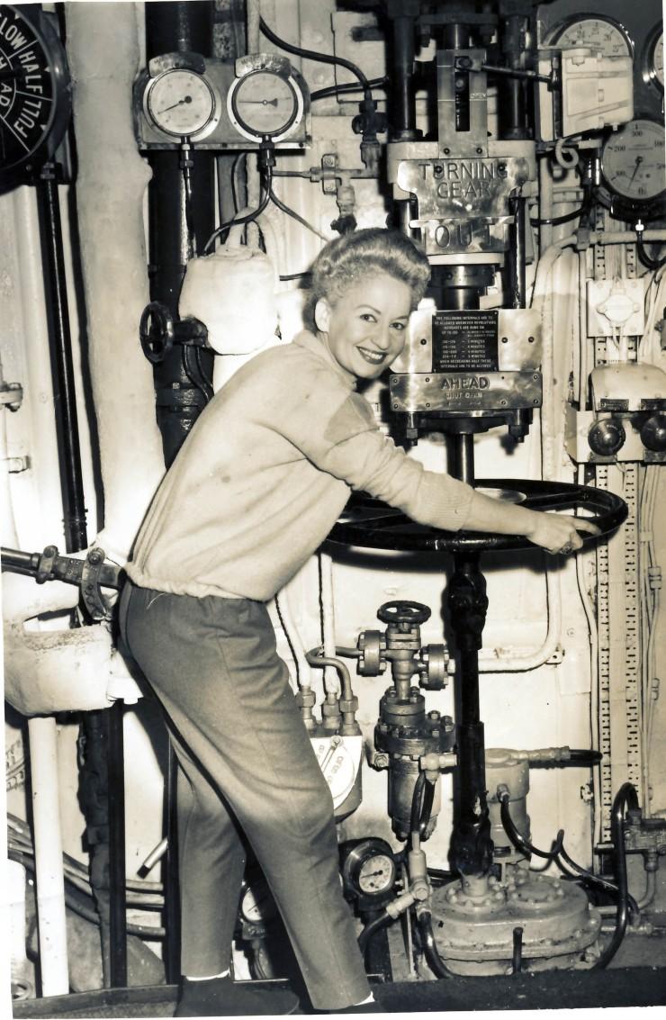 1961HMAS MelbourneEngineRoom